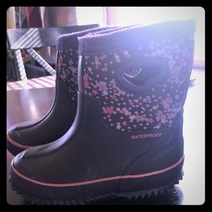 Other - Kid's little girl's size 7/8 snow boot